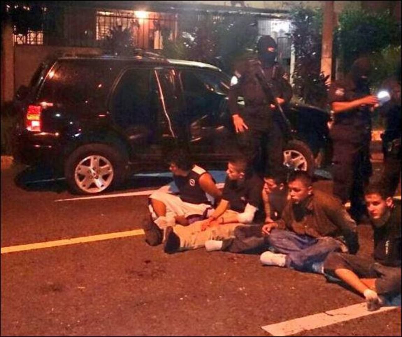 Cinco pandilleros detenidos tras persecución policial.