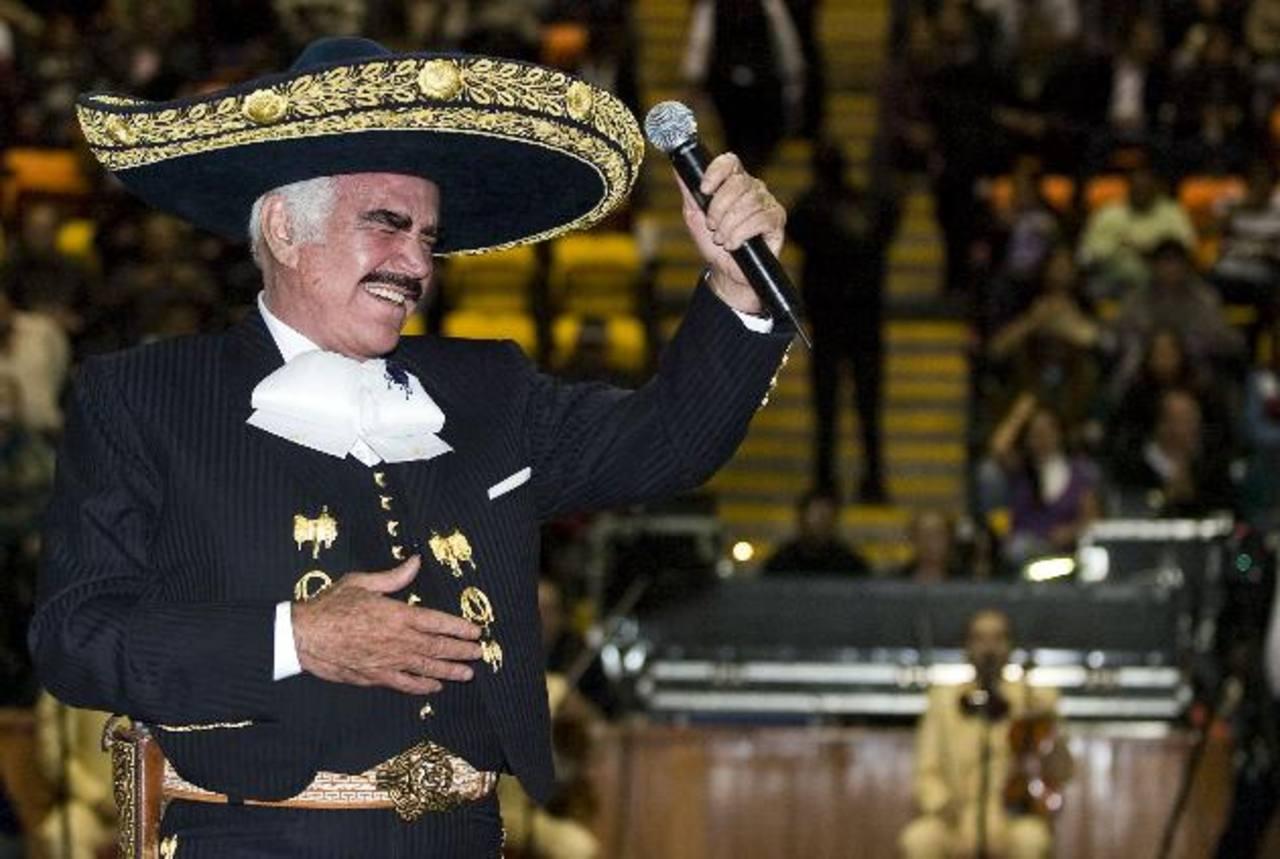 El legendario cantante de rancheras mexicano inició su gira de despedida en 2010. Esta semana se presentó en México.