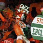 """Tercer estadounidense con ébola """"mejora ligeramente"""", según su esposa"""