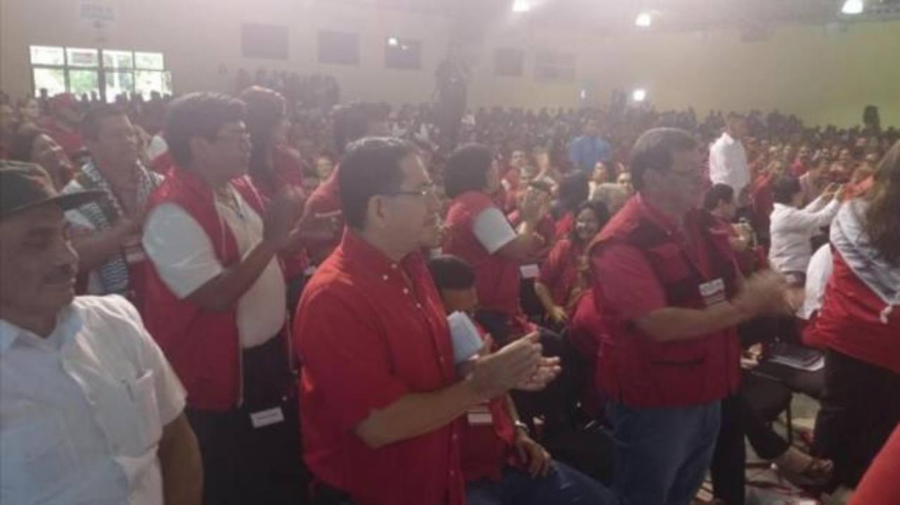 Medardo González defiende su candidatura y la de otros duros del FMLN