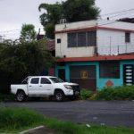 El cadáver fue encontrado en este vehículo en el Bulevar Arturo Castellanos y Calle Francisco Menéndez, de San Salvador.
