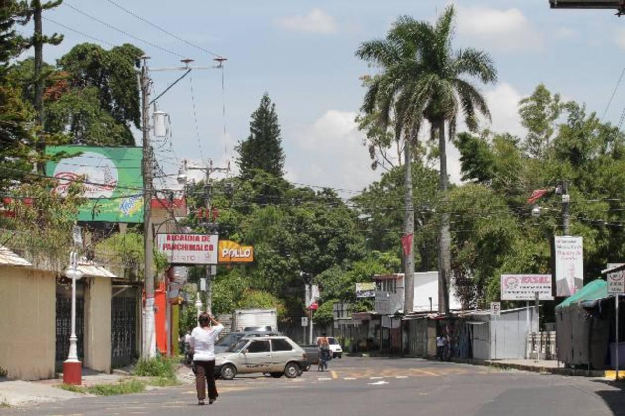 Uno de los robos fue cometido en la calle principal de la zona turística del Mirador, en Los Planes de Renderos, en Panchimalco. Foto EDH / Óscar iraheta