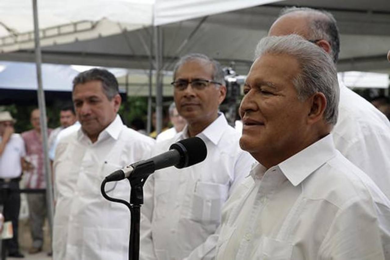 El presidente Salvador Sánchez Cerén lanzó ayer en Panchimalco un plan de agricultura urbana. Foto edh / cortesía capres