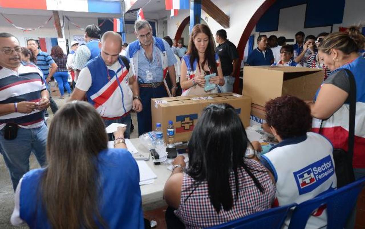 Concluido el proceso de selección, los candidatos buscan visitar el terreno. Foto EDH / ARCHIVO