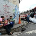 Leonel Alexander Tejada, supuesto asaltante, fue ultimado a tiros dentro de un bus de la Ruta 52. Foto EDH/ Jaime Anaya