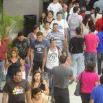 En un escenario de recesión, los salvadoreños experimentarían fuertes alzas de precios y pérdidas de empleos.