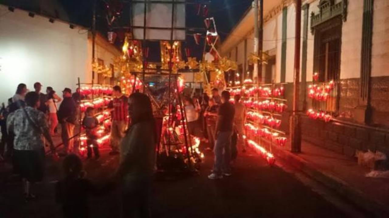 El Día de los Farolitos en el municipio de Ahuachapán.