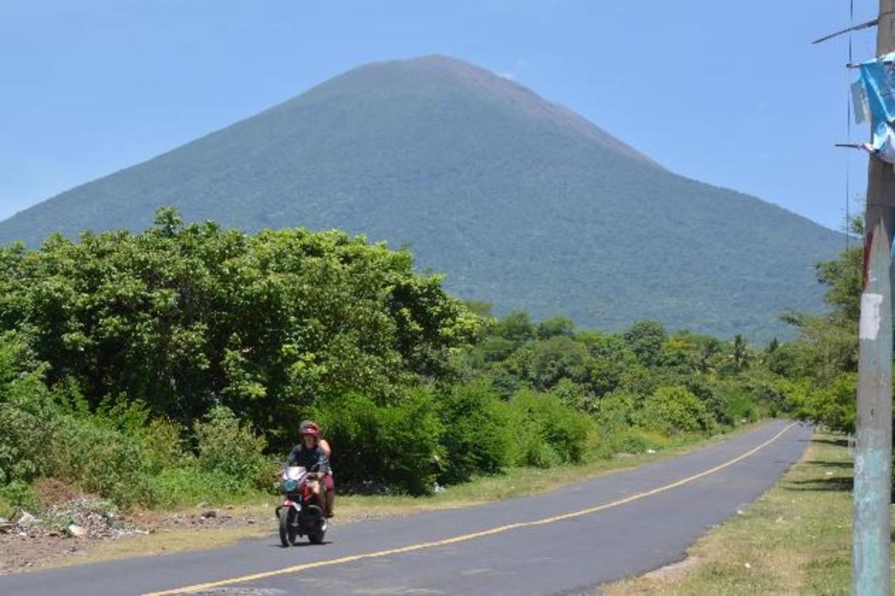 Evalúan evacuar a 10 familias residentes en cercanías a volcán Chaparrastique por nueva ruta de deslaves