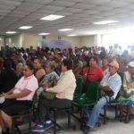 Los pacientes aglomeran las salas de espera en el Rosales.
