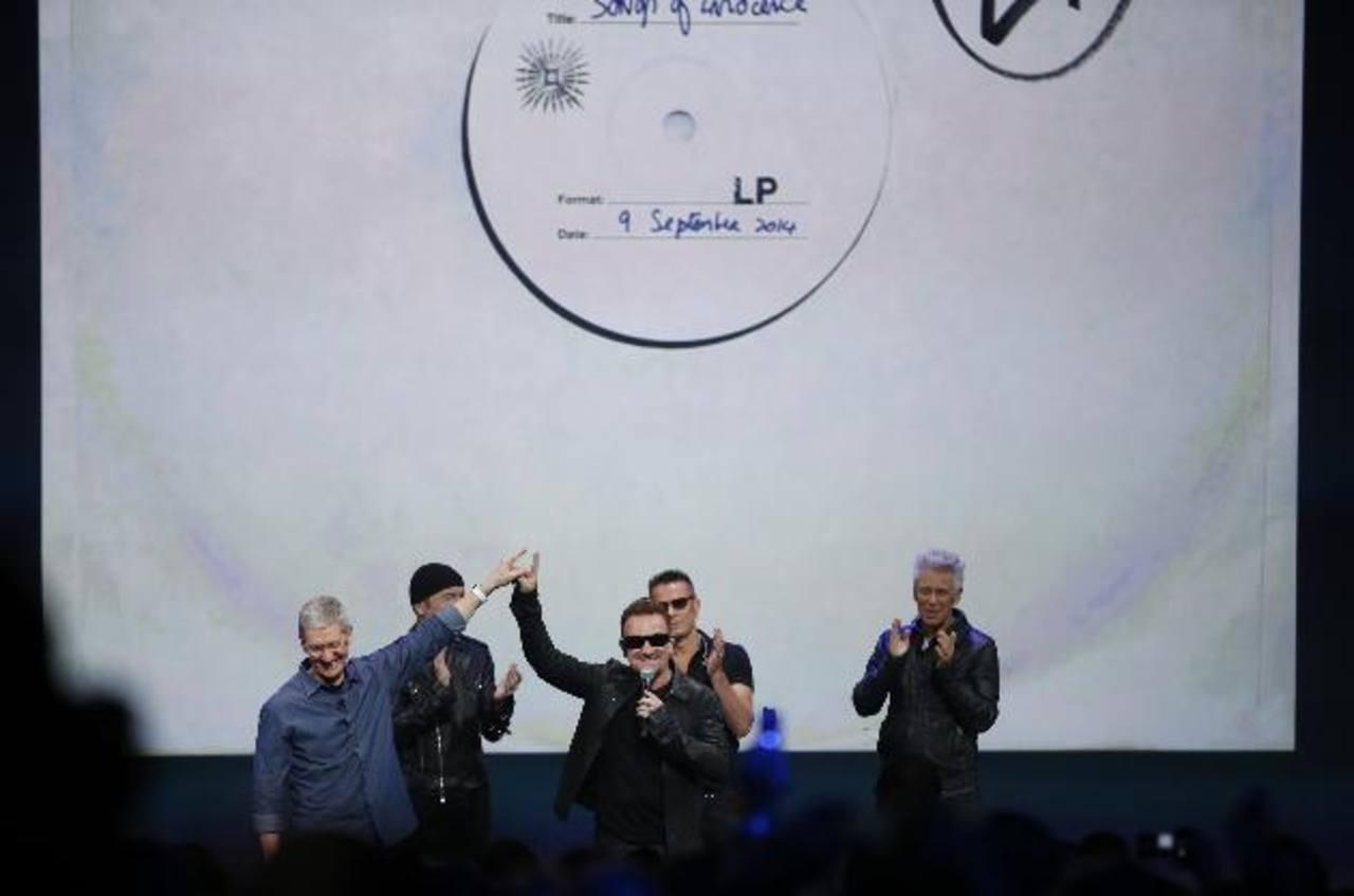 La agrupación hizo un show en lanzamiento de Apple.