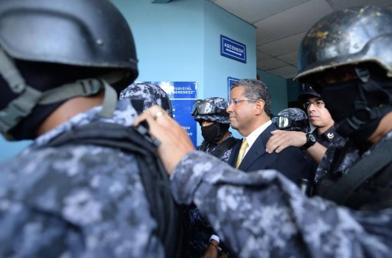Ordenan arresto domiciliar para expresidente Francisco Flores