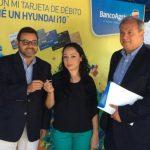 Jaimy Chávez compró y se convirtió en la feliz ganadora de la promoción. Foto EDH / Mario díaz