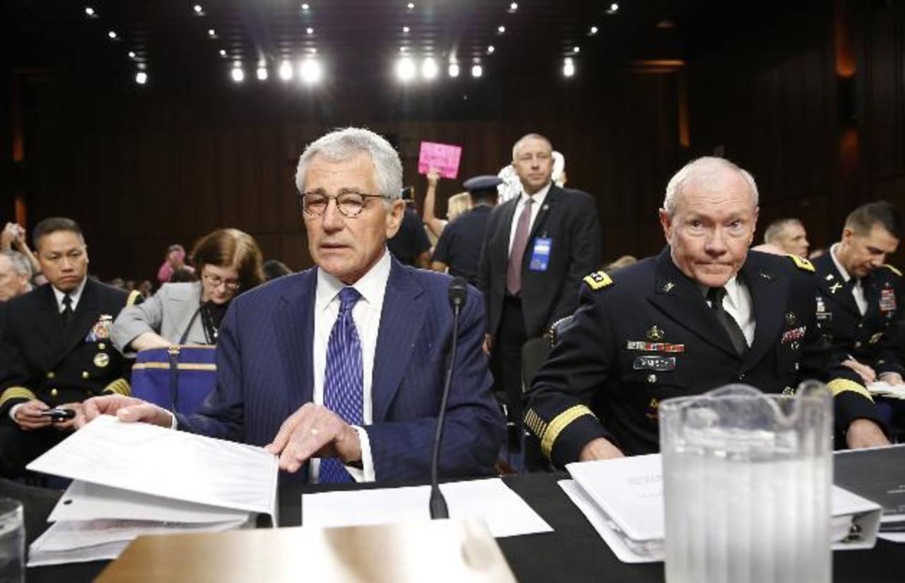 Chuck Hagel (i), secretario de Defensa de EE. UU. y el mayor Martin Demsey (d), jefe del Estado Mayor Conjunto. foto edh / reuters.