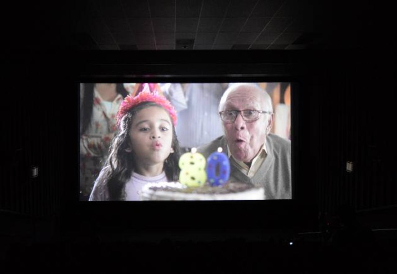 El supermercado presentó ayer una nueva campaña audiovisual. Fotos edh / Mauricio Cáceres
