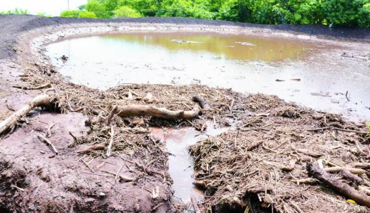 Uno de los tres nuevos reservorios construidos por el MOP. Foto EDH / lucinda quintanilla