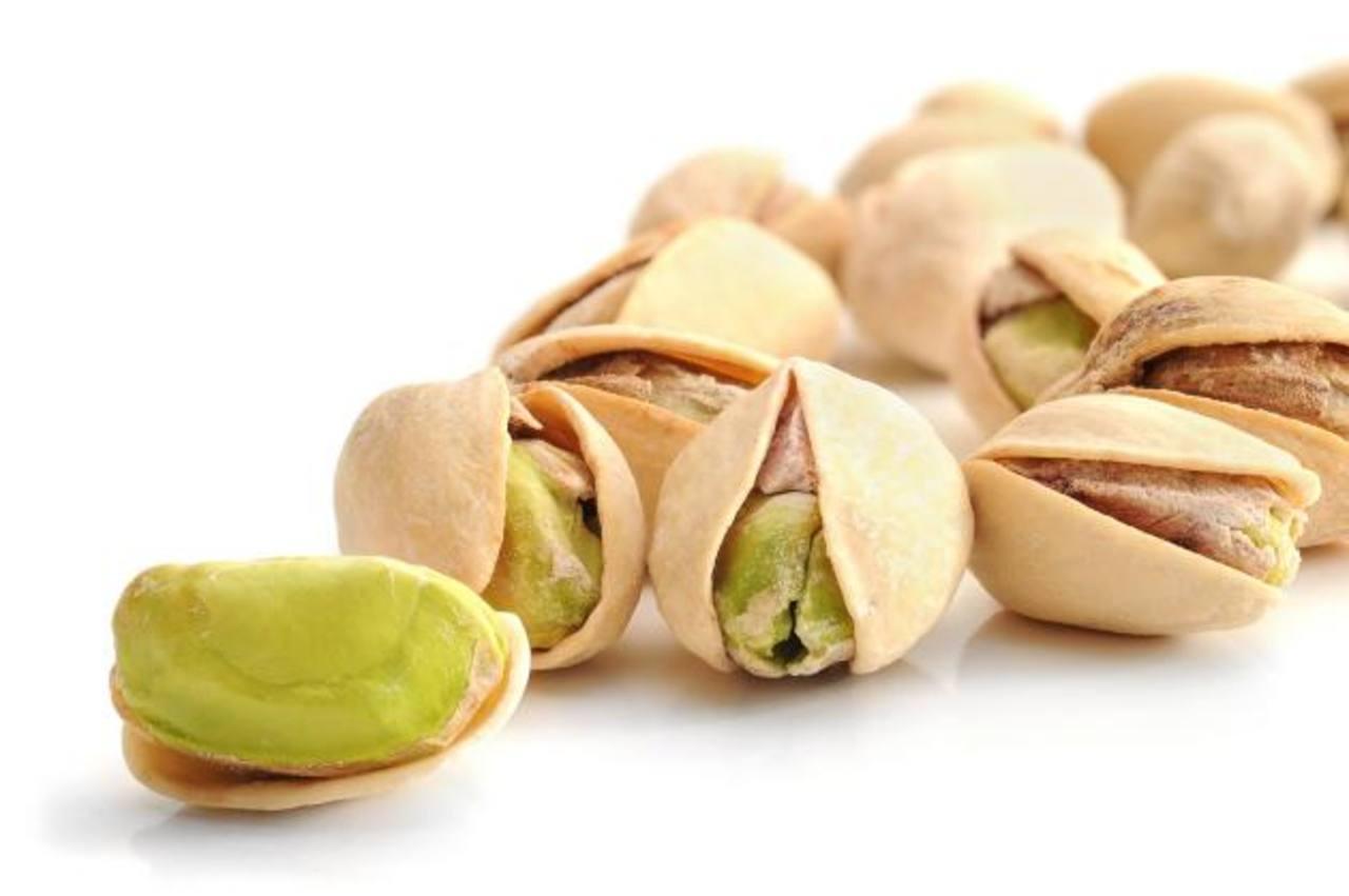 Los médicos recomiendan consumir una porción diaria de pistachos o de cualquier otro fruto seco. foto edh