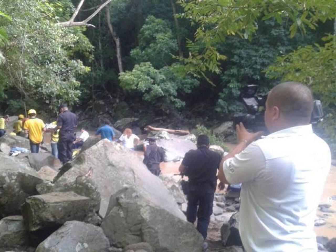 Cuatro estudiantes y dos adultos mueren ahogados en El Triunfo