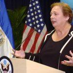 Embajadora de Estados Unidos en El Salvador, Mari Carmen Aponte.