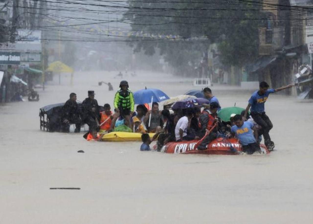 Al menos 5 muertos y 700 mil afectados por una tormenta tropical en Filipinas