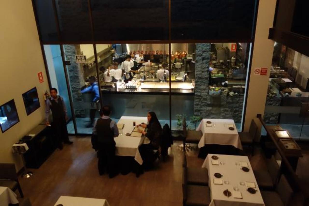 Ubicado en el corazón del tradicional distrito de Miraflores en Lima, la carta del restaurante Central es una muestra de la cocina peruana de vanguardia.