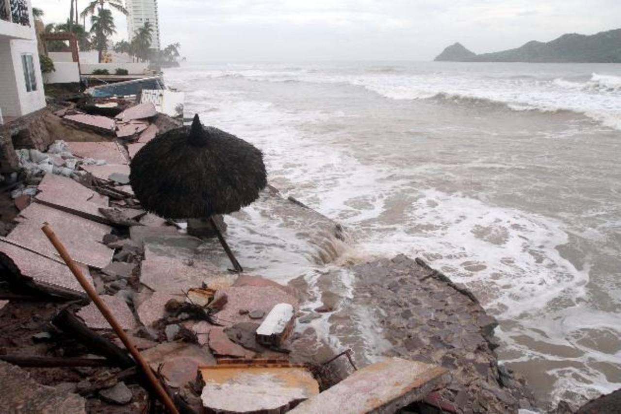 Parte de los daños propiciados por el huracán Norbert en el puerto de Mazatlán, en el noroeste de México. foto edh /EFE