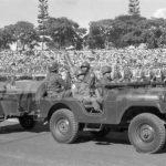 Un grupo de militares participa en el desfile del martes 15 de septiembre de 1970.