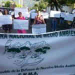 Pobladores de comunidades de Santa Ana protestaron frente al MARN en demanda del cierre del relleno sanitario, ubicado sobre el kilómetro 76 y medio de la carretera hacia Metapán.