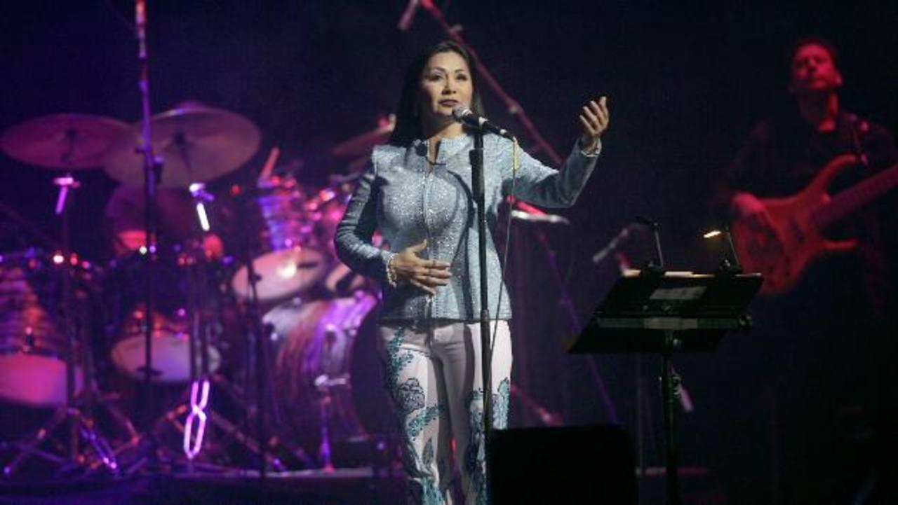 La famosa cantante mexicana cuenta con 35 producciones de estudio a sus espaldas y cuatro décadas de carrera.