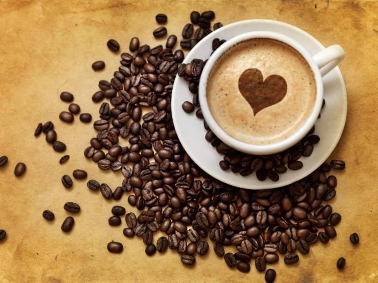 El contenido de antioxidantes del café ejerce un efecto protector frente enfermedades como el párkinson o el alzhéimer.