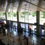 El Salvador suscribe acuerdo para eliminar impuestos a pasajeros en tránsito
