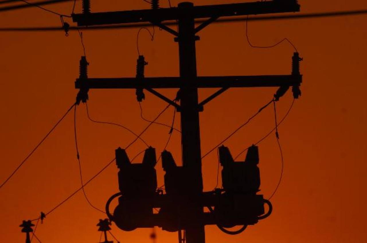 Con anterioridad, la empresa ha otorgado concesión a compañías que deseen suministrar energía. Foto EDH/Archivo