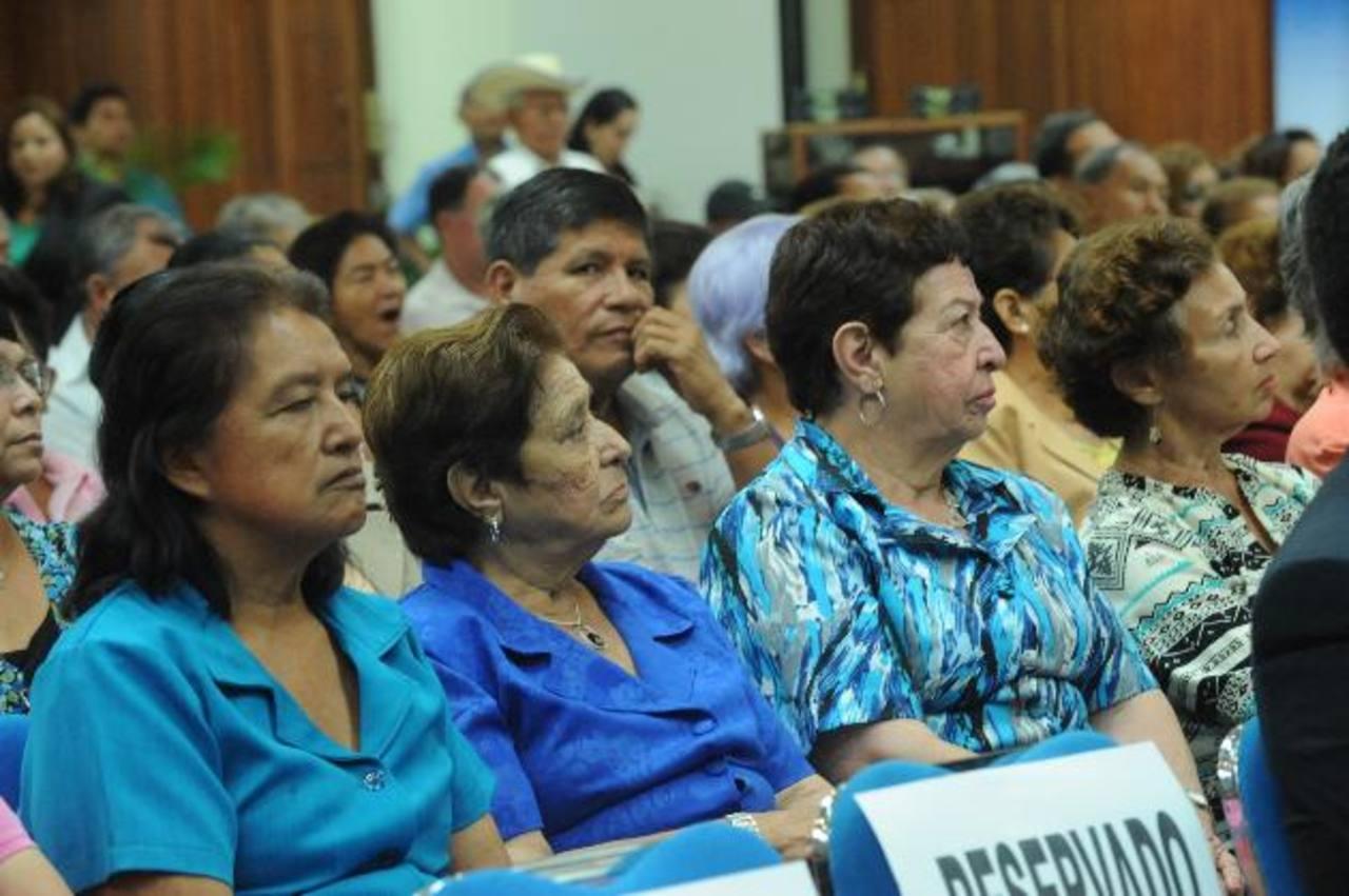 Al evento asistieron invitados especiales, cotizantes y jubilados. fotos edh / Lisseth monterrosa