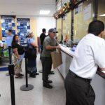 ISSS sin fondos para aumentar salario a médicos
