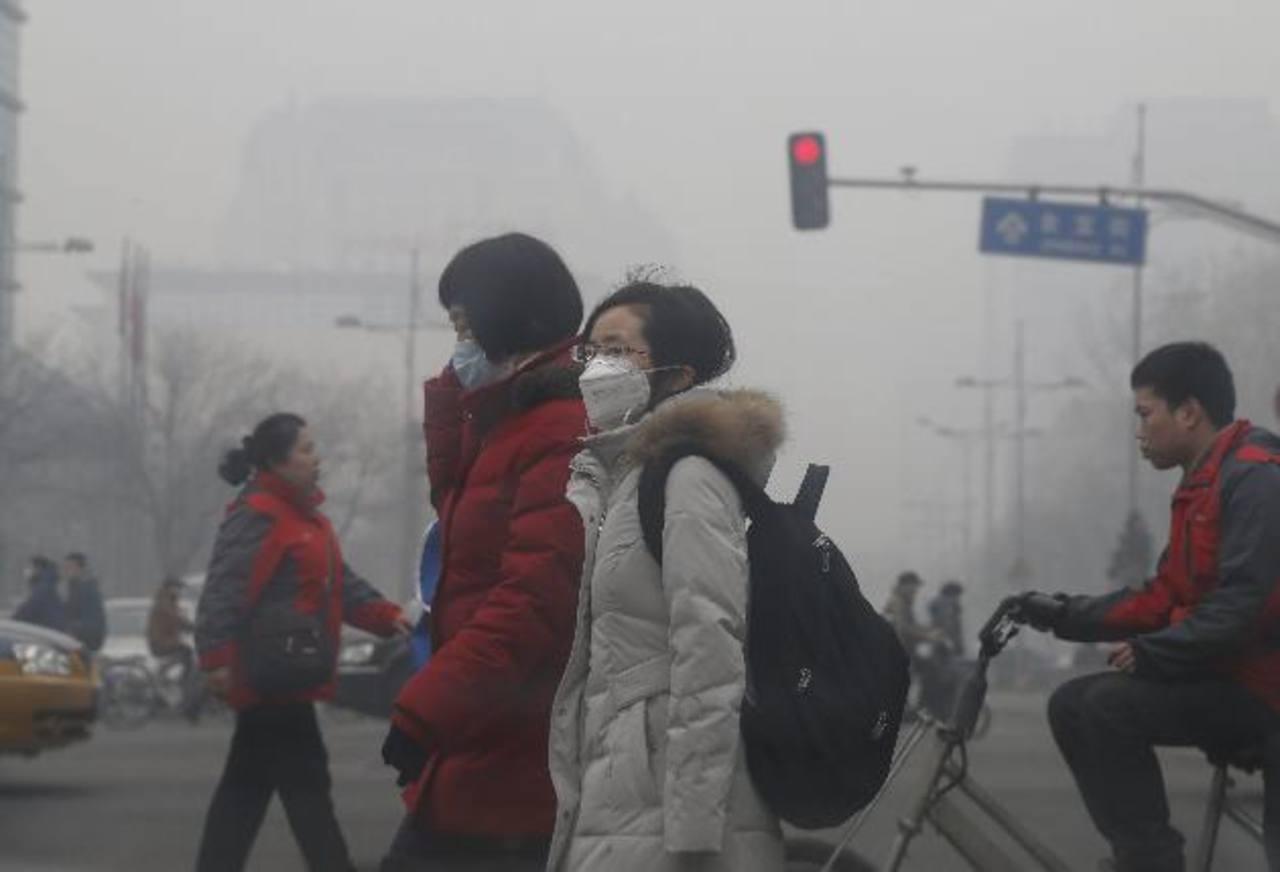 La contaminación es otro de los serios problemas de Pekín, una ciudad superpoblada.