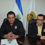 German Arriaza, jefe fiscal de Intereses del Estado, y Daniel Domínguez, de Crimen Organizado. Foto EDH / L. Monterrosa