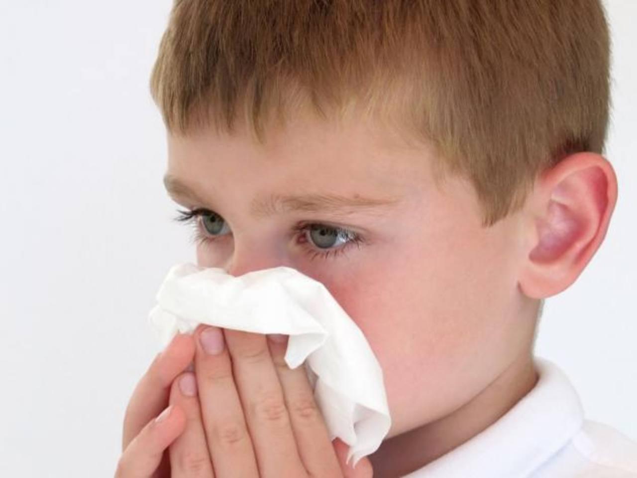Los casos confirmados son niños con historial de asma o dificultades respiratorias.