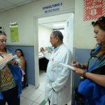 Especialistas del Rosales estudian cómo retomar las protestas para lograr que destituyan al director