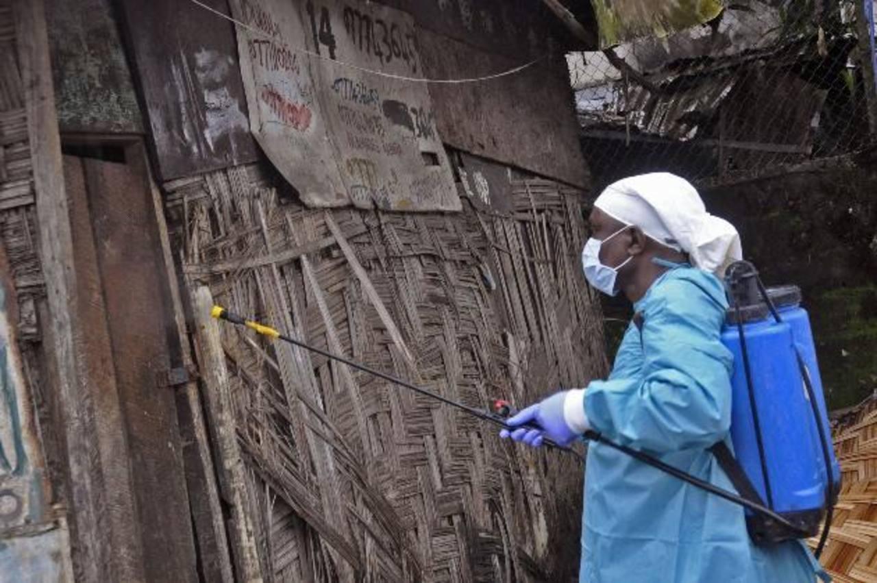El virus del ébola ha causado la muerte de alrededor de dos mil personas solo en lo que va de este año en África.