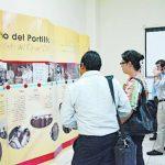 Los asistentes pudieron apreciar una exposición con la historia de vida de monseñor Álvaro del Portillo, en la Universidad Católica de El Salvador (Unicaes), en Santa Ana. Foto EDH / Iris Lima