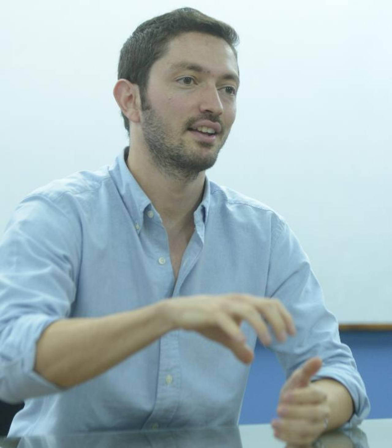 Rodolfo es cofundador de MiCV y de Uassisst.ME. Ambas son empresas que brindan servicios a distancia, principalmente vía Internet.