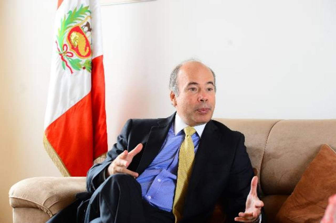 Eric Anderson, embajador de Perú en El Salvador, dijo que la llegada de una nueva y millonaria inversión peruana reafirma las relaciones de amistad entre ambos países.