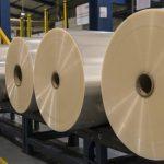 El material flexible que produce la empresa peruana se utiliza para fabricar envoltorios de consumo masivo.