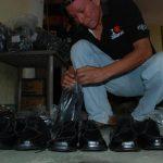 Cientos de artesanos proveedores han sido afectados por pagos extemporáneos. Foto EDH /archivo