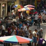 Las inversiones y las ventas, a nivel general, han decrecido en El Salvador. Foto EDH