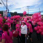 FOTOS: Caminata contra el cáncer de mama