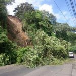 Derrumbe obstaculiza paso en Ciudad Delgado