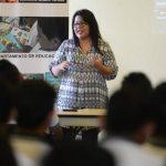 En la presentación también hubo tiempo para la reflexión por parte del personal de Glasswing. Foto EDH / Mauricio Cáceres