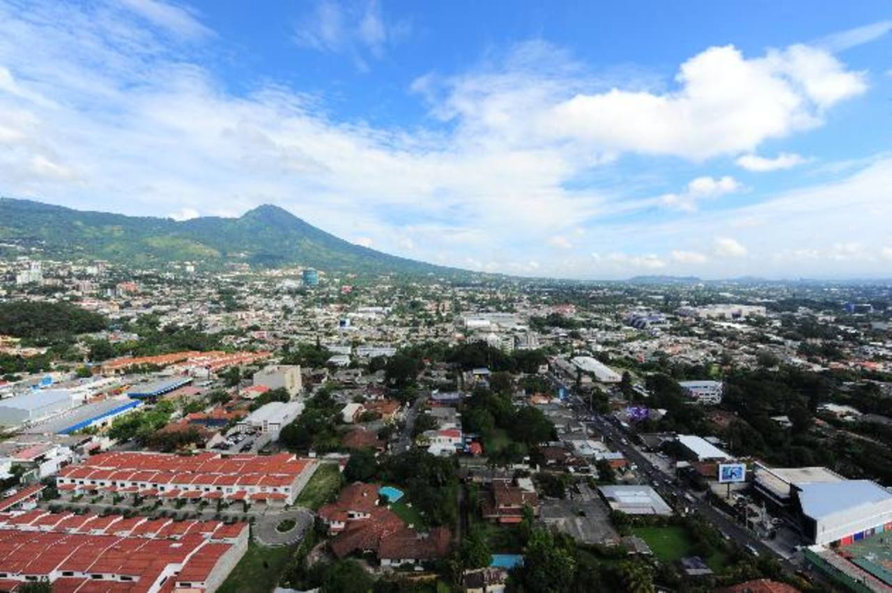 Los países de Centroamérica son los que menos están creciendo en la región y, de ellos, El Salvador es último. foto edh / archivo