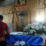 Velan los restos del policía asesinado ayer en San Pedro Perulapán