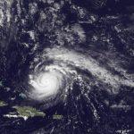 Imagen suministrada por el satélite GOES de la Administración Nacional Oceánica y Atmosférica (NOOA) de la posición del huracán Gonzalo.
